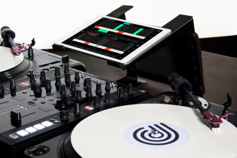 Conductr launches Traktor Controller