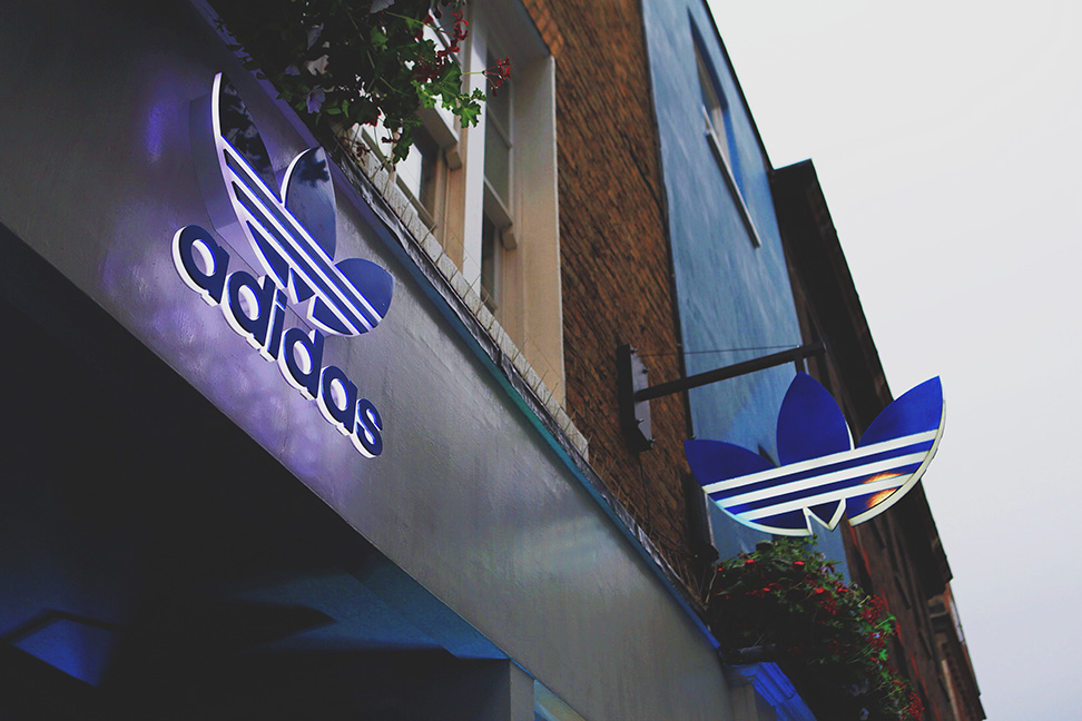 Incomodidad Perdóneme querido  Record-Play provides bespoke instore playlisting for adidas stores...